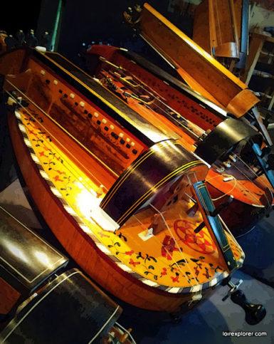 festival le son continu au château d'Ars dans le Berry salon de lutherie vielle de jambe
