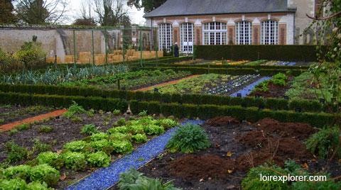 monuments et châteaux de la Loire ouverts toute l'année jardin potager du Château de Cheverny