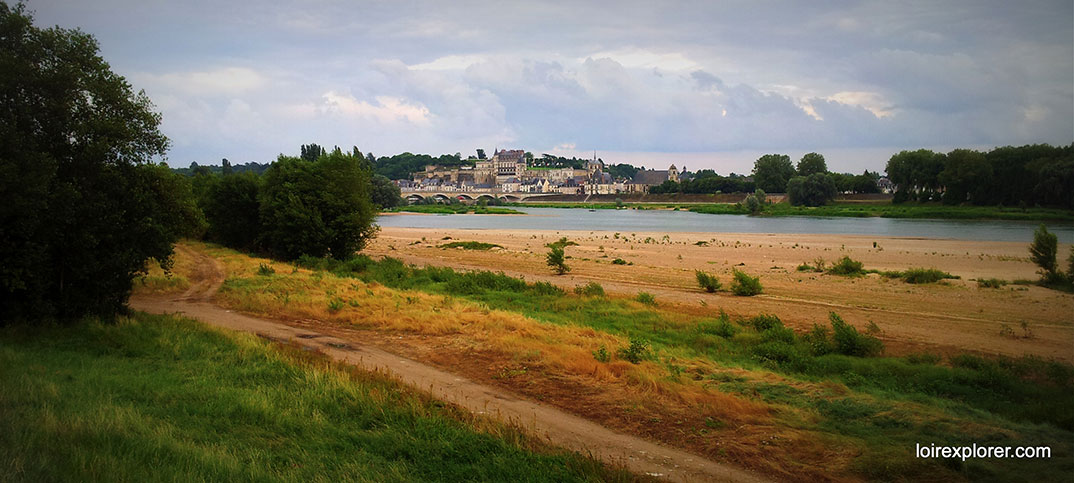 Château d'Amboise bord de Loire avec LoireXplorer