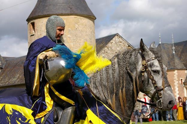 Grande fête médiévale au Château de la chapelle d'Angillon