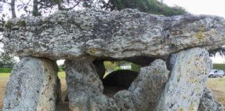 Dolmen de la Chapelle Vendômoise mégalithe menhir néolithique préhistoire région Centre Loir et Cher
