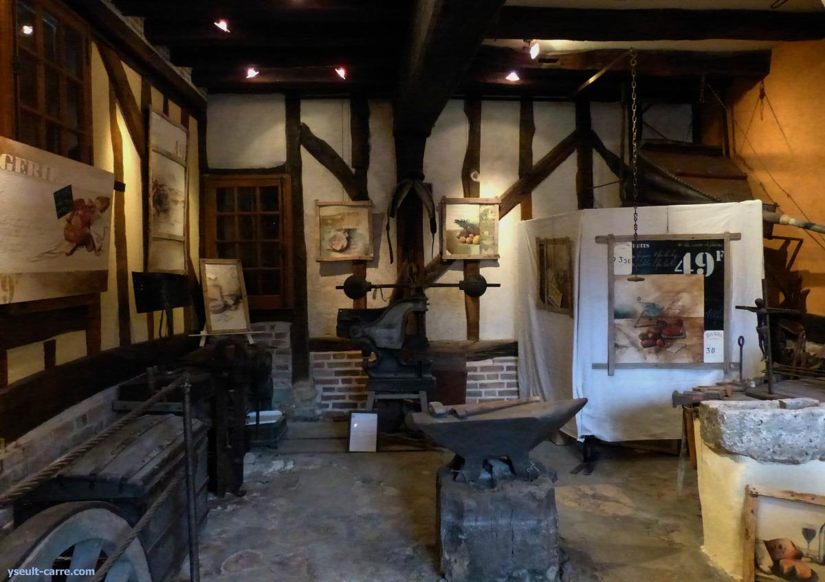 Exposition de peinture à La Forge Atelier du peintre Fanny à Chaumont-sur-Tharonne - En off de la 5e Biennale de Sologne du 2 au 17 septembre - copyright Yseult Carré