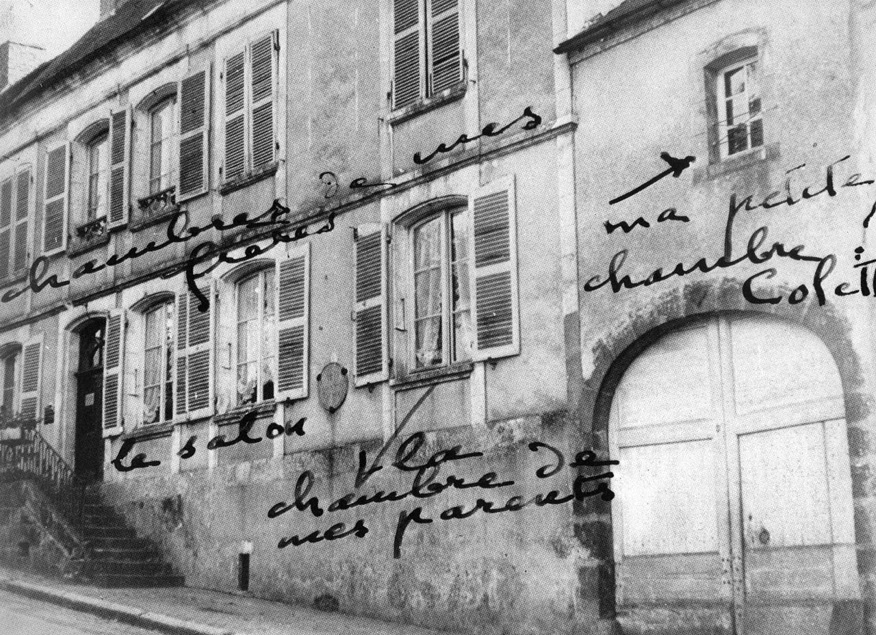 Façade de la maison de Colette annotée par l'écrivaine elle-même