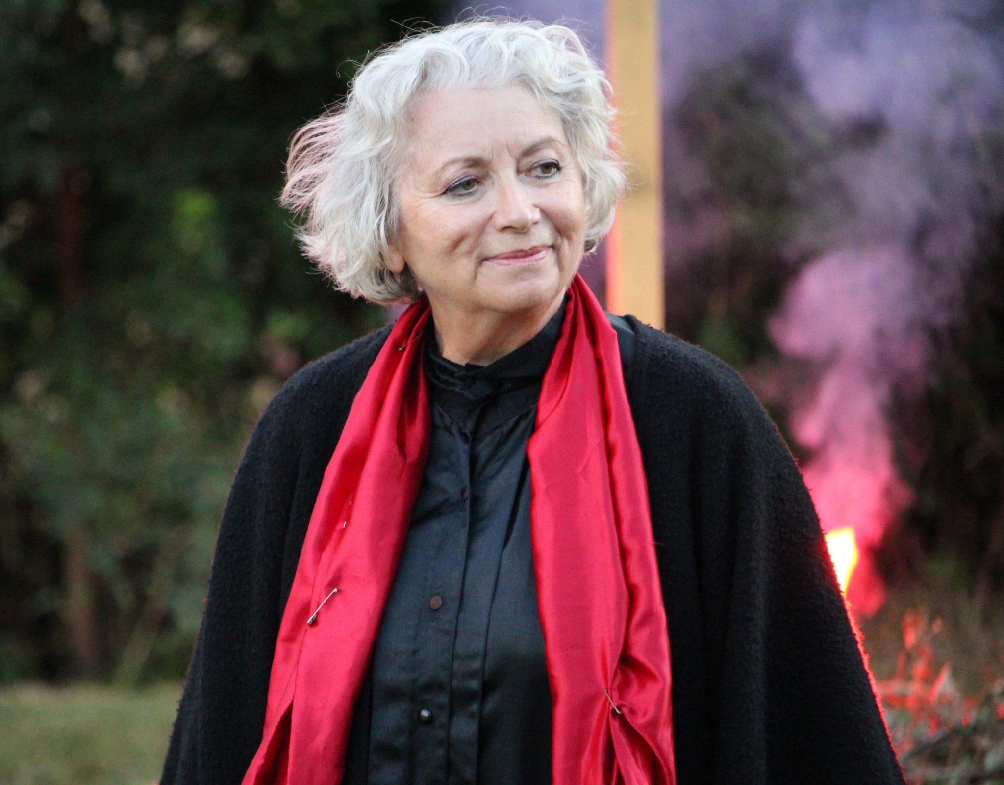 Marie du Berry joue « Si l'enfant des diables m'était conté » - crédit photo © Les Amis de la Tour de Vesvre
